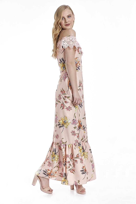 Φόρεμα εμπριμέ μακρύ με δαντέλα γύρω στους ώμους  922b8ef9582