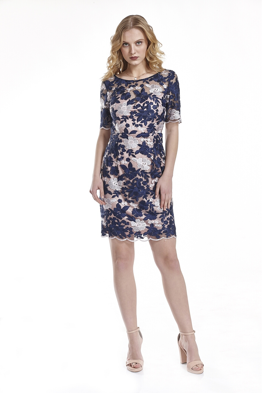 44b358e8cddb Φόρεμα δαντέλα ανάγλυφη