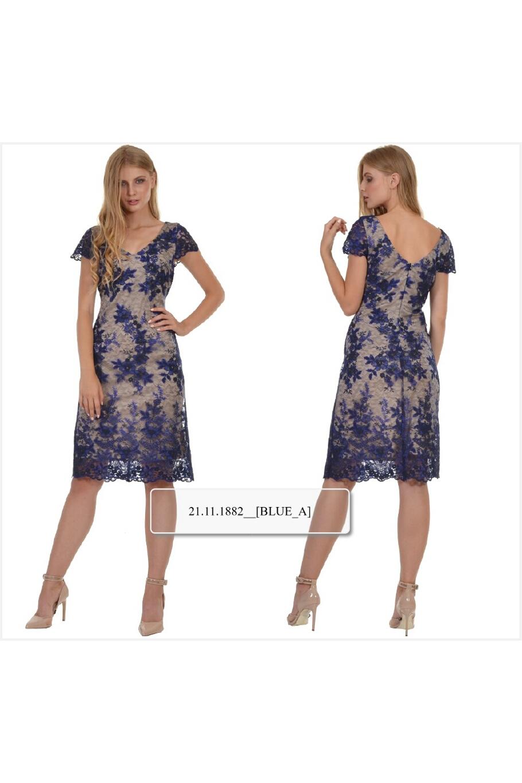 f201ea92c618 Φόρεμα midi με δαντέλα κεντημένη σε θηλυκό ντεκολτέ