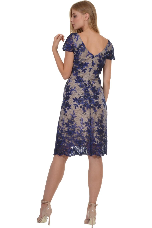 aa33b43f5366 Φόρεμα midi με δαντέλα κεντημένη σε θηλυκό ντεκολτέ
