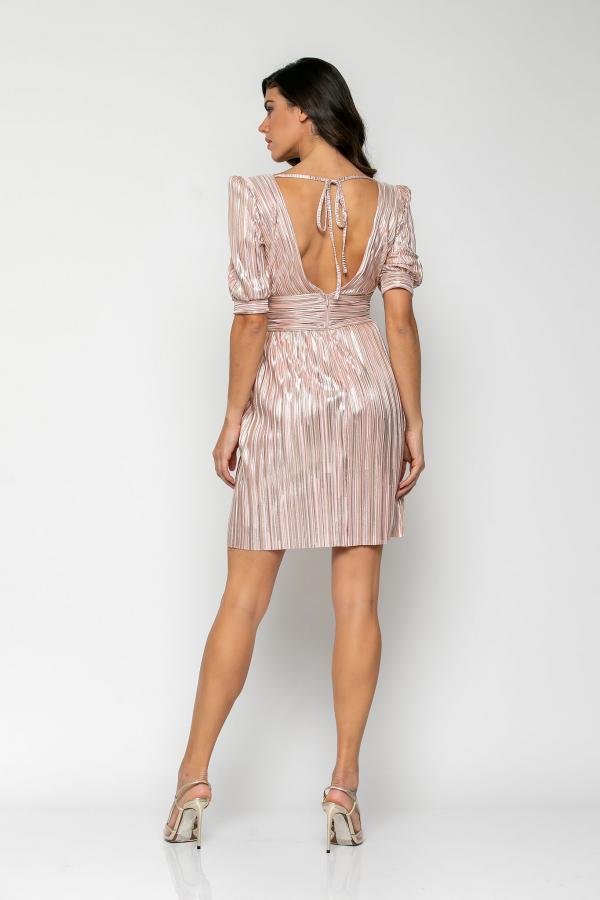 Bellino,  Φόρεμα mini σε πλισέ σατέν foil με θηλυκό ντεκολτέ και ανοιχτή πλάτη (ΣΑΠΙΟ ΜΗΛΟ, S)